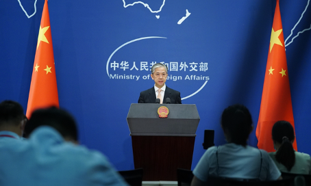 (Video) Foreign Minister Wang strongly condemns the US for sending Under Secretary Krach to Taiwan.